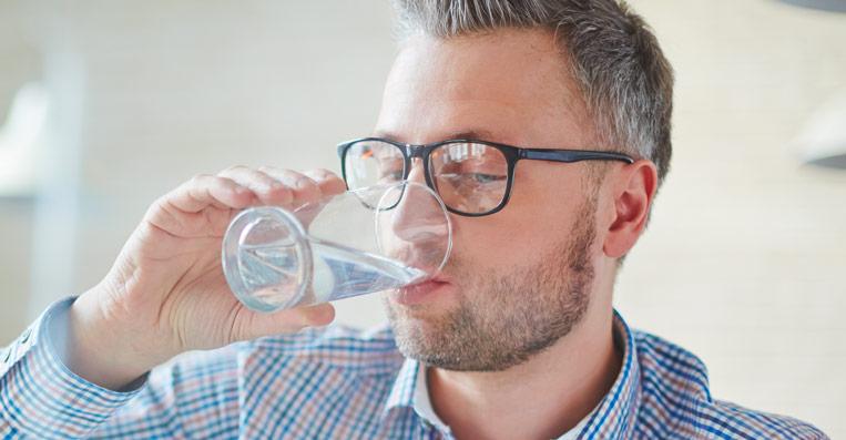 bere acqua depurata direttamente dal rubinetto di casa