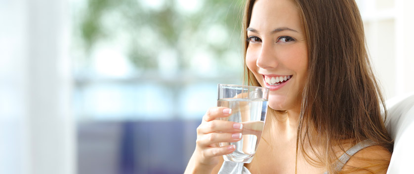 bere acqua pura e buona dal rubinetto di casa