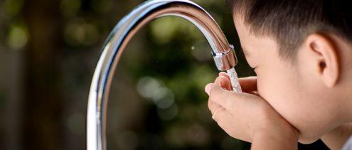 consigli per bere acqua pulita dal rubinetto di casa