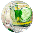 bevanda rinfrescante e depurativa al cetriolo, limone e menta