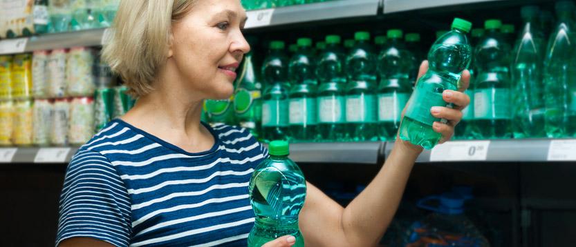 Leggi le indicazioni sull'etichette delle bottiglie dell'acqua per quanto riguarda l'azoto ammoniacale