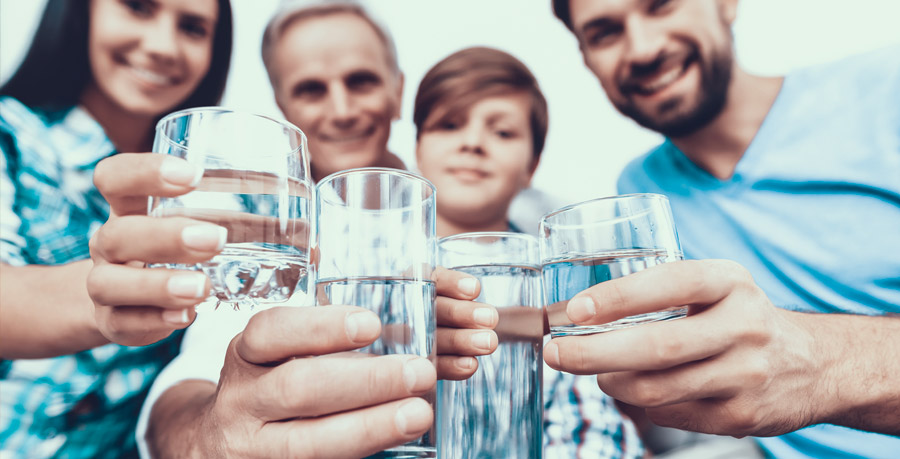 acqua purificata grazie ai depuratori a osmosi inversa per non avere arsenico al suo interno