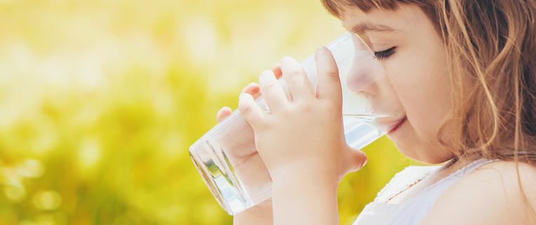 bere senza nitriti nell'acqua