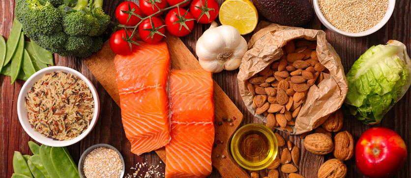 frutta verdura e pesce sono alimenti che si possono assumere con la dieta dell'acqua