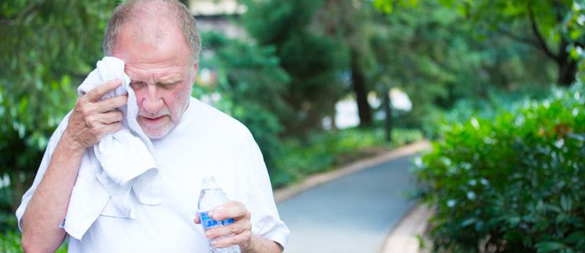 anziani e i sintomi del troppo caldo
