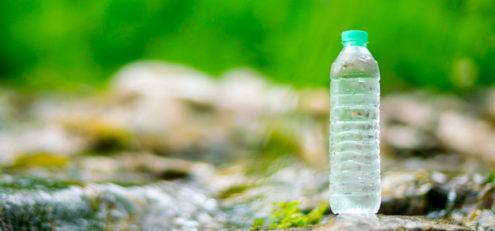 bottiglie acqua il suo percorso dalle falde acquifere a casa tua