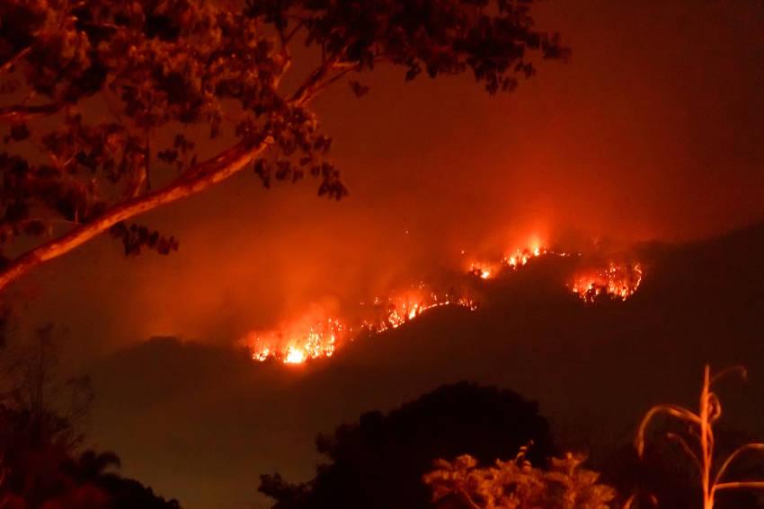 gli incendi causano problemi al clima