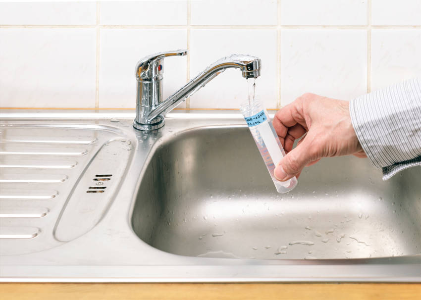 I test dell'acqua viene effettuato direttamente dall'acqua del rubinetto
