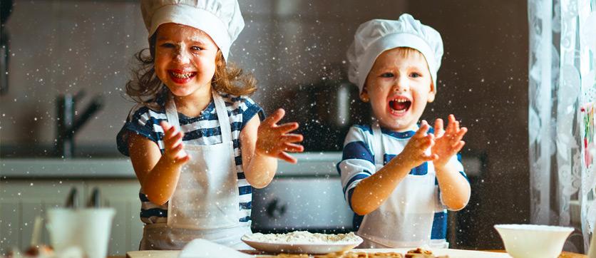 tutto l'occorrente per fare una torta all'acqua priva di latte e uova