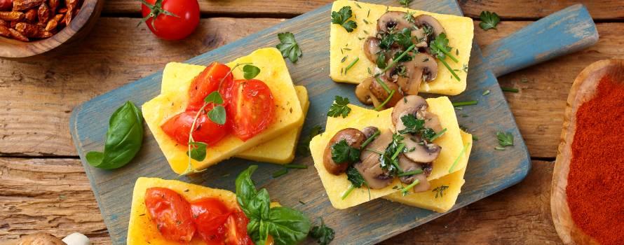realizzazione antipasti con polenta