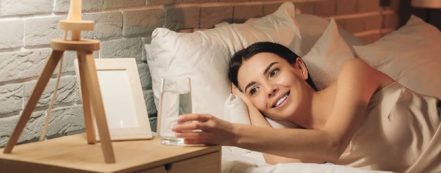 al risveglio bere sempre un bicchiere di acqua