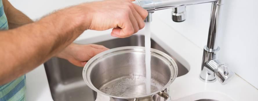 l'acqua del rubinetto per cucinare
